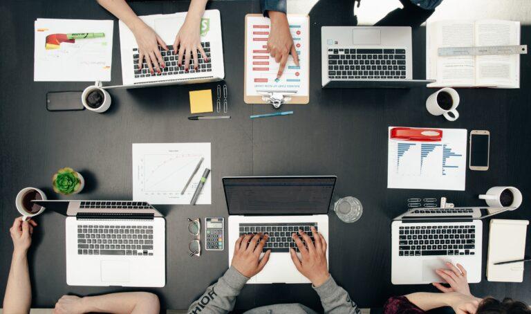 Как управлять финансами IT-компании?